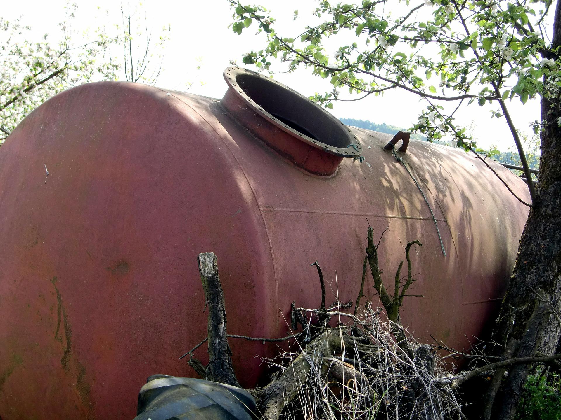 Демонтаж емкостей и резервуаров