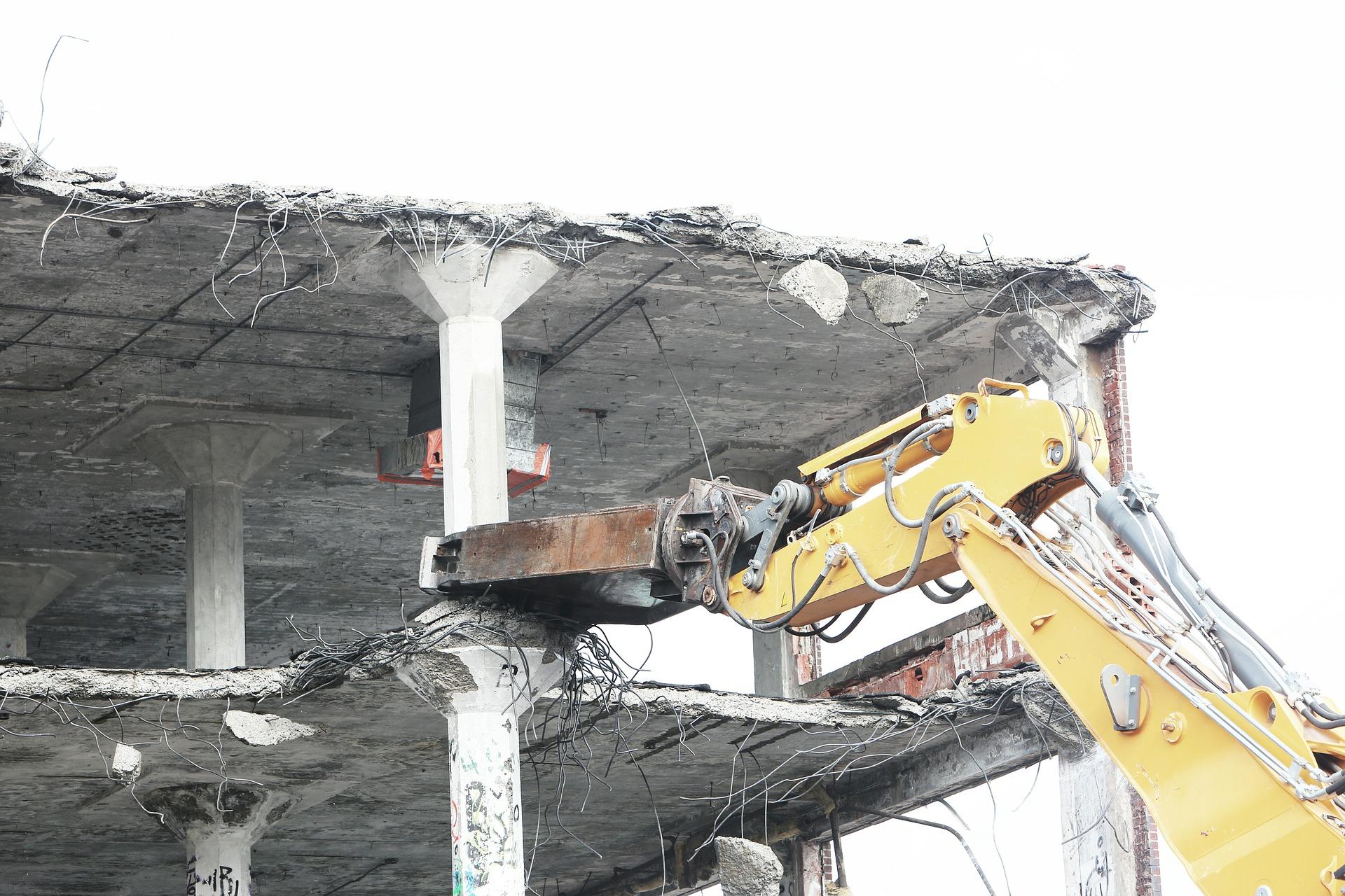 Демонтаж промышленных зданий и строений